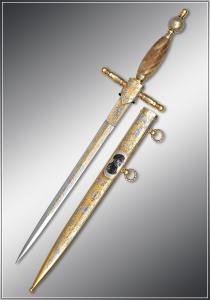 Адмиральский кортик ручной работы из латуни с золотым покрытием.Клинок нержавеющая сталь. Ножны цельнометаллические с изображением Адмирала Нахимова